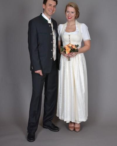 Hochzeitsdirndl - Garching bei München